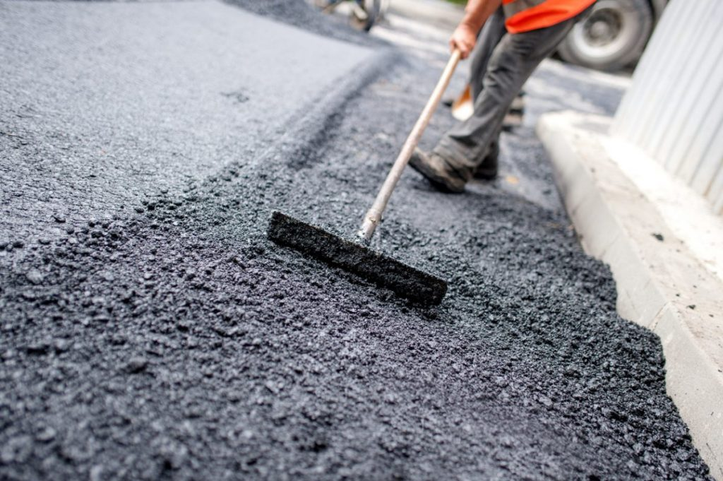 Late Spring is the Ideal Time for Asphalt Paving Work